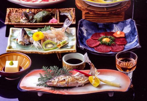 神湯荘 懐石料理