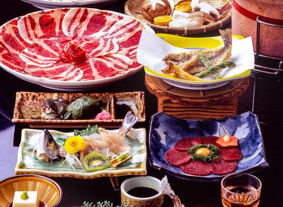 神湯荘の懐石料理